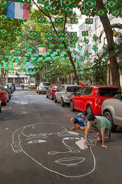 street no rio decorados para a copa do mundo de 2014 - neymar - fotografias e filmes do acervo