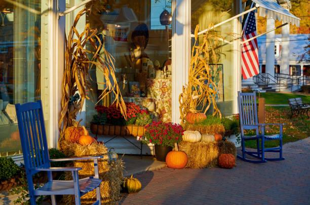 Straße in Stowe Stadt im Herbst in Vermont – Foto