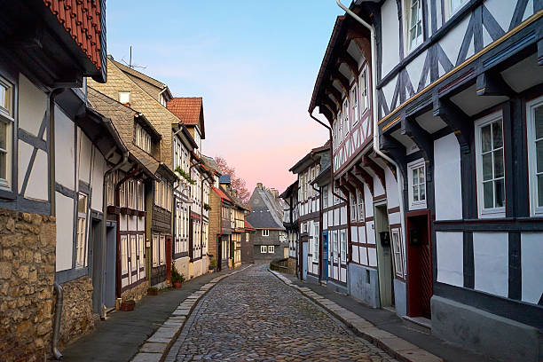 Street in the Old town of Gorlar, Lower Saxony, Germany. Close view of a house, 2016. Old town in Goslar is a UNESCO World Heritage lower saxony stock pictures, royalty-free photos & images