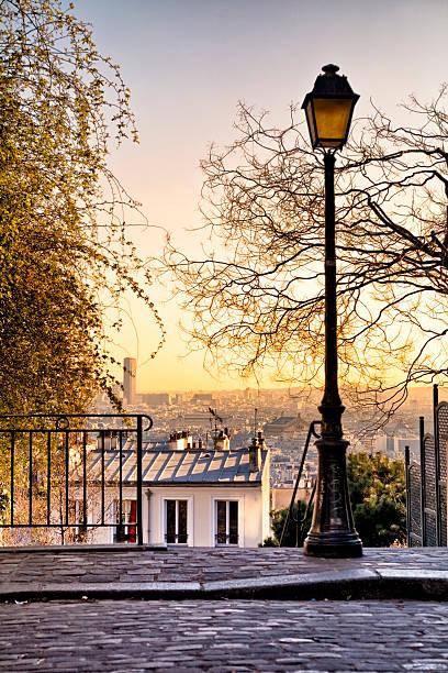 Lampe de rue et les toits de Paris - Photo