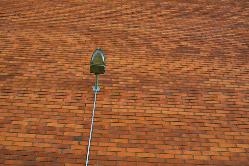 Street Lamp On Red Wall - Fotografias de stock e mais imagens de Alemanha