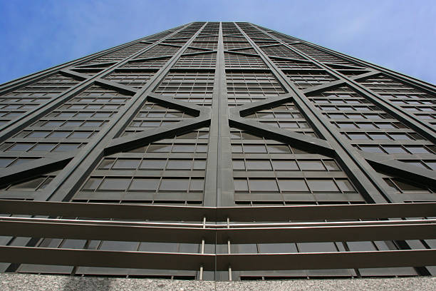 nivel de la calle vista de torre john hancock en chicago, illinois - edificio hancock chicago fotografías e imágenes de stock