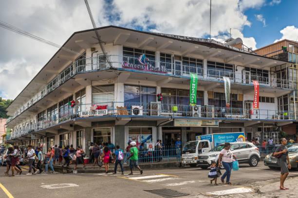 straßenleben in kingstown, st. vincent, st. vincent und den grenadinen - kingstown stock-fotos und bilder