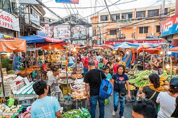 Street market in manila philippines picture id538493168?b=1&k=6&m=538493168&s=612x612&h=tbbuxyhex8luvpq4jopr j9sumpwtuppqbbx86eweaw=
