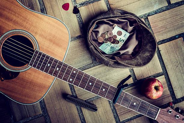 Músico ambulante - foto de stock