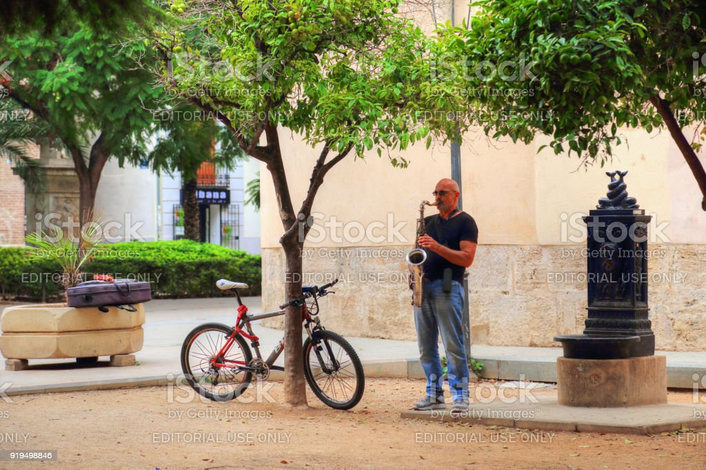 VALENCIA, SPAIN - OCTOBER 16, 2017: Street musicians in Historic Town in Valencia stock photo