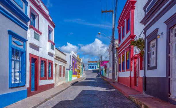 Straße der Kolonialhäuser in Olinda Stadt – Foto