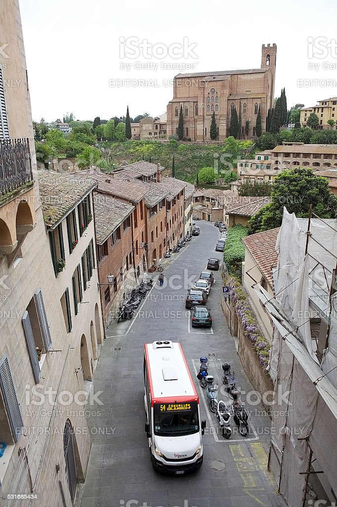 Strada della vecchia Siena, Toscana, Italia - foto stock