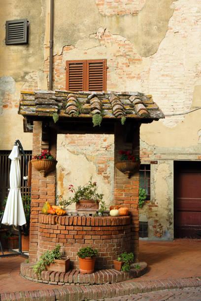 Straßenszene in Certaldo, Italien – Foto