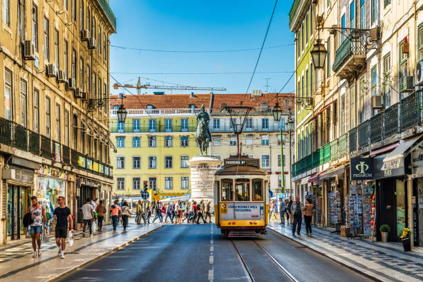 street scene in lisbon, portugal - lisbona foto e immagini stock