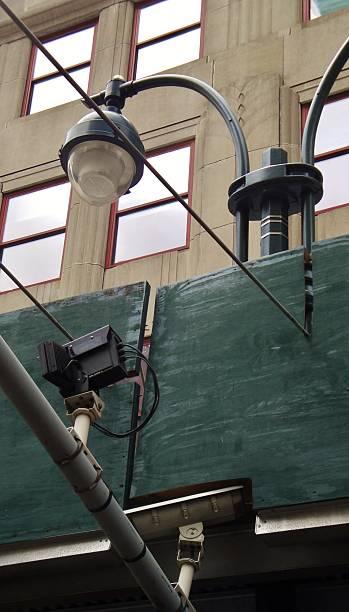 street security camera - telelens stockfoto's en -beelden