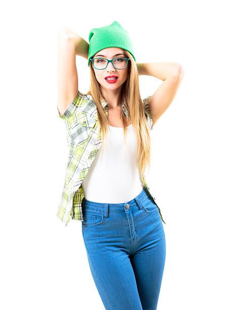 Straße Stil trendige Hipster Mädchen, isoliert auf weiss – Foto