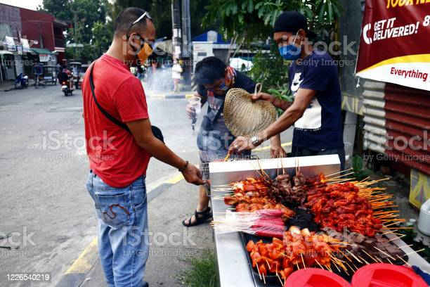 Street vendor sell assorted grilled pork and chicken innards barbecue picture id1226540219?b=1&k=6&m=1226540219&s=612x612&h=ut5 bfrapf1zw vmeqzz4dgvmu3ghum3vkjirsg6cxk=