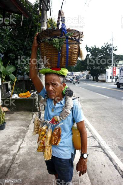 Street vendor sells balut or steamed duck egg and chicharon or fried picture id1192472427?b=1&k=6&m=1192472427&s=612x612&h=h sykiqzek wn46ptxgw4jhqxm anfllkrmhv1nxgqs=
