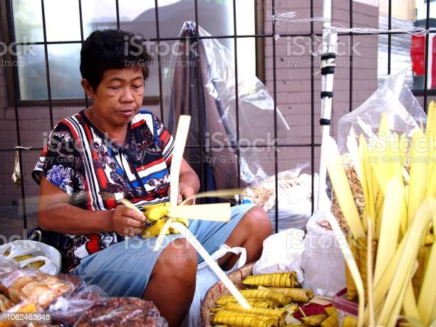 Street vendor sells suman or steamed glutenous rice wrapped in palm picture id1062463648?b=1&k=6&m=1062463648&s=612x612&h=wwp1fzfbq 31ottj0fpwma la  ox1to aqlynuhhc4=
