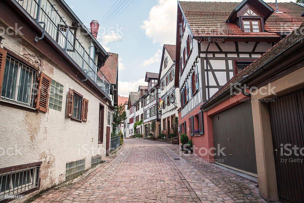 Vue sur la rue d'une petite ville de France - Photo
