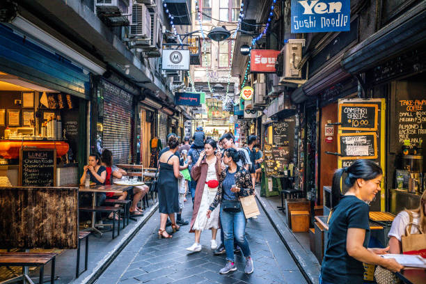 street view of centre place an iconic pedestrian laneway with cafe and people in melbourne australia - melbourne australia foto e immagini stock
