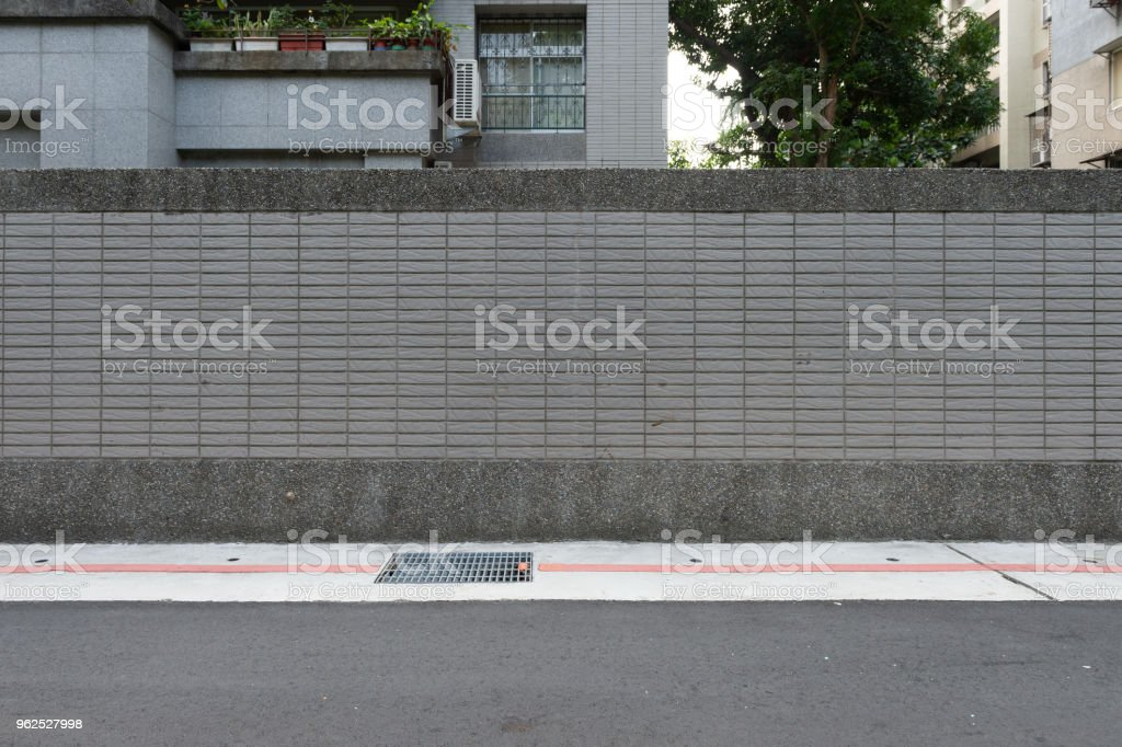 rua parede fundo, fundo Industrial, rua urbana de grunge vazio com parede de tijolo de armazém - Foto de stock de Abandonado royalty-free
