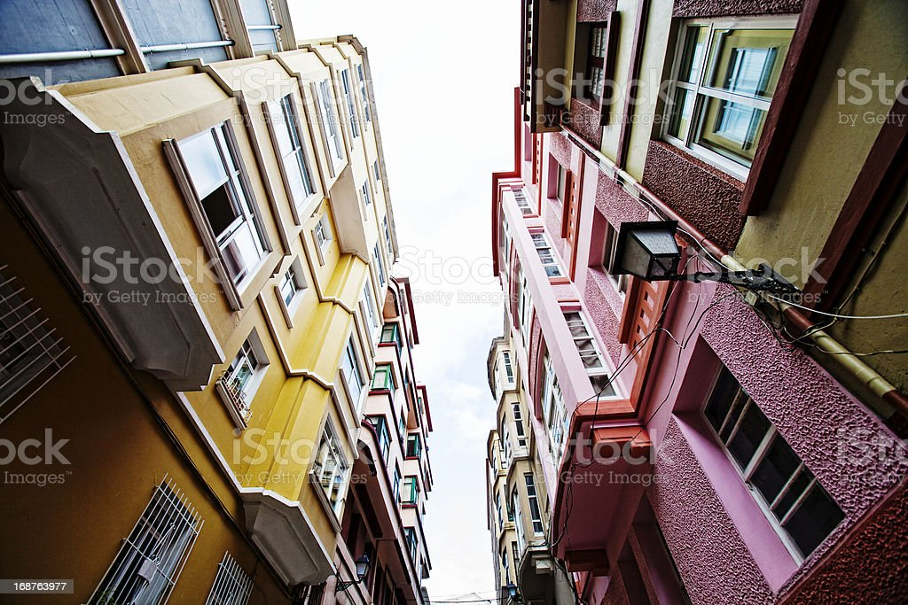 Straße mit bunten Gebäude. – Foto