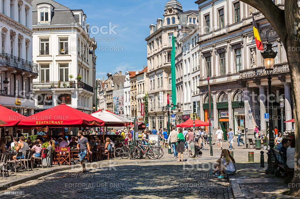 Street with restaurants in Brussels – Foto