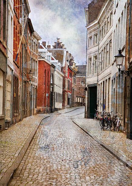 streets of maastricht, netherlands - maastricht stockfoto's en -beelden