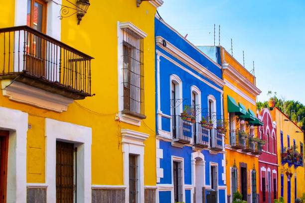 Streets of the center of the city of Puebla Streets of the center of the city of Puebla, various facades with bright colors and beautiful views. puebla state stock pictures, royalty-free photos & images