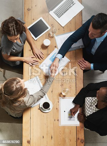 istock Strengthening business networks to maximise on success 653826290