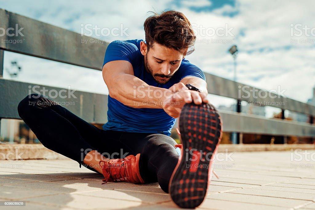 Stretching.   - Lizenzfrei Dehnen Stock-Foto