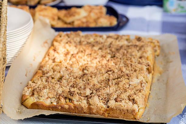 sprint car kuchen - tarte und törtchen stock-fotos und bilder