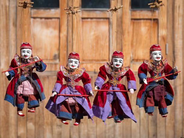 string puppentheater-figur myanmar tradition puppen - kasperltheater stock-fotos und bilder