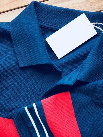 Gestreepte Ronde Short Sleeve Tshirt Kleding Label Stockfoto en meer beelden van Azië