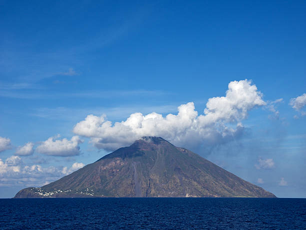 Vulkan Stromboli, Italien – Foto