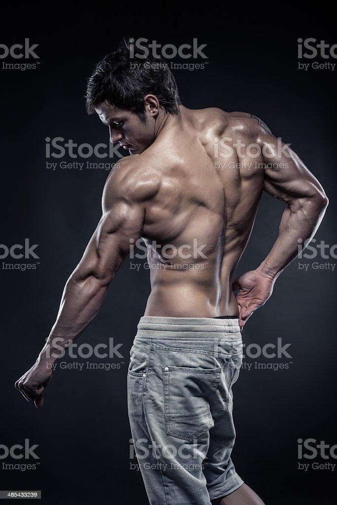 Fotografía de Fuerte Athletic Hombre Fitness Modelo Posando Back ...