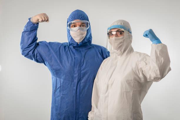 Starke Ärzte während coronavirus COVID 19 neuartigen Coronavirus Ausbruch – Foto