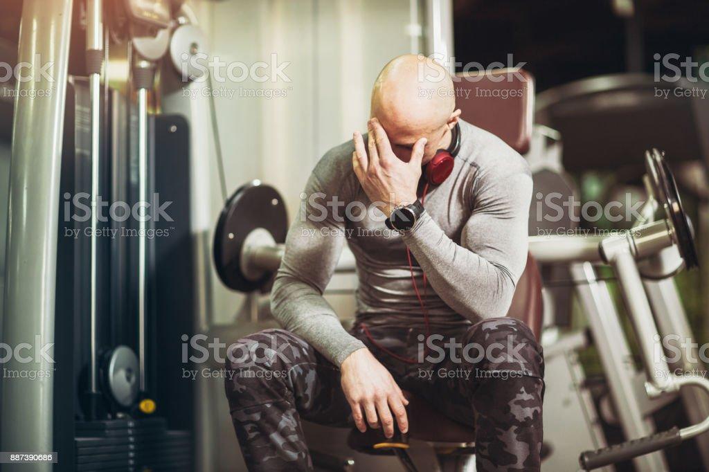 Deporte hombre fuerte degradación - foto de stock