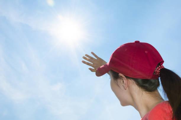 강한 햇빛 - 자외선 차단 뉴스 사진 이미지
