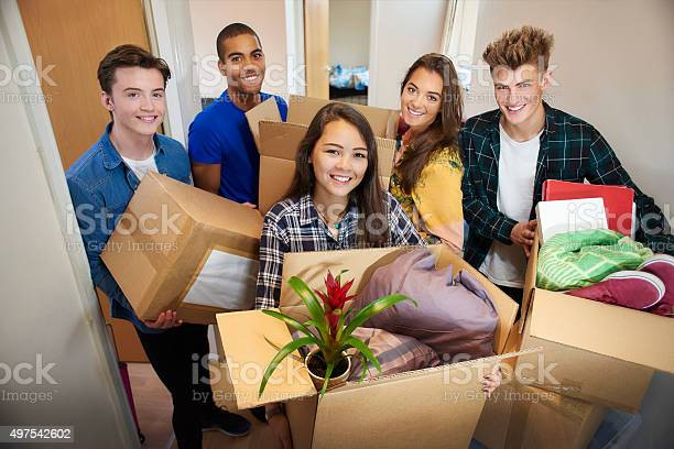 Student accommodation friends picture id497542602?b=1&k=6&m=497542602&s=612x612&h=kkiqasz47bn9yuzovdvzkhza flvyvxqekg16h66lg0=