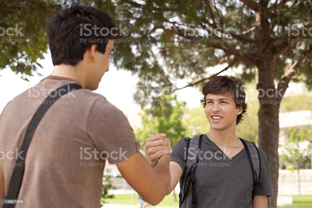 Student Hände schütteln – Foto