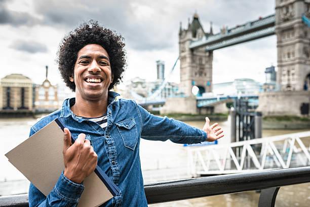 student in london - englandreise stock-fotos und bilder