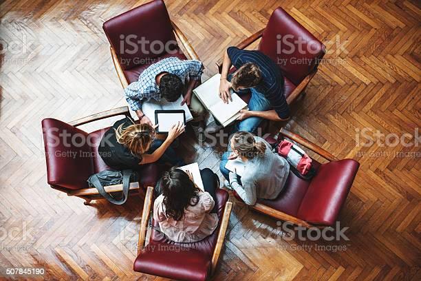 Student meeting in library teamwork picture id507845190?b=1&k=6&m=507845190&s=612x612&h=22yutiis1m e863 jnky5djl4k50whdrbjhjpmqk8p0=