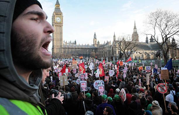 student protest, london. - britische politik stock-fotos und bilder