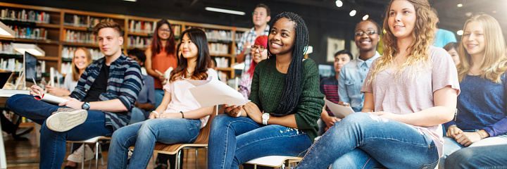 istock Student Study Classmate Classroom Lecture Concept 836473842