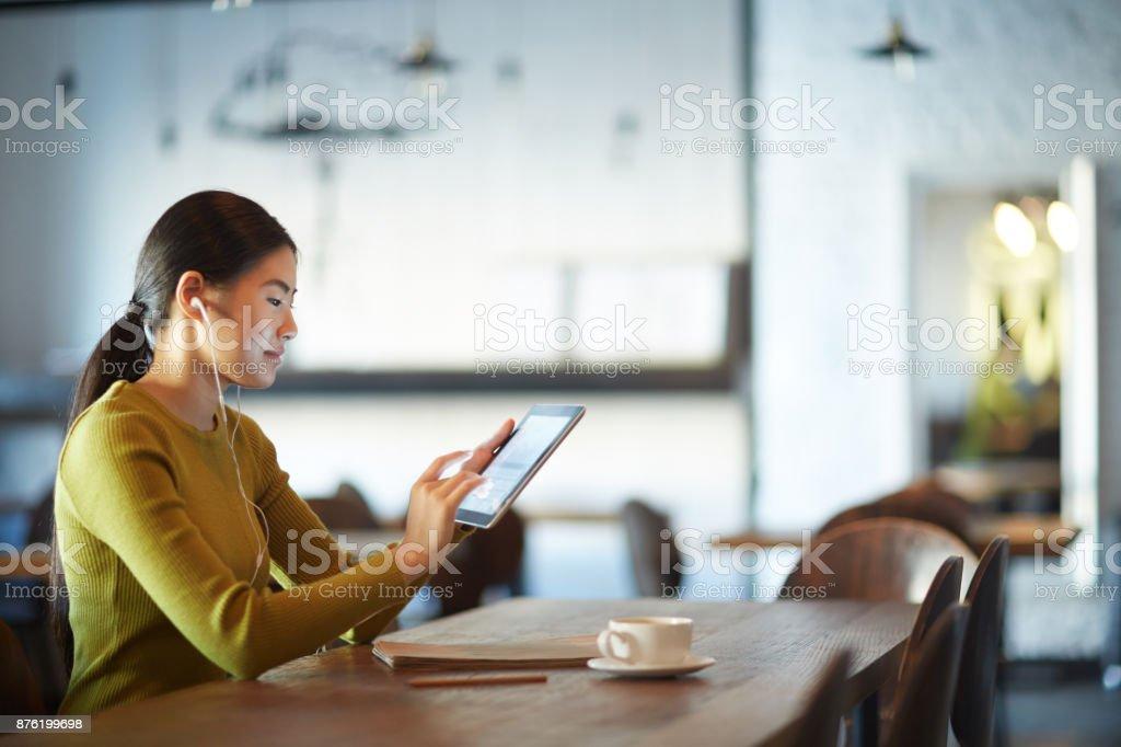 Studenten mit tablet – Foto