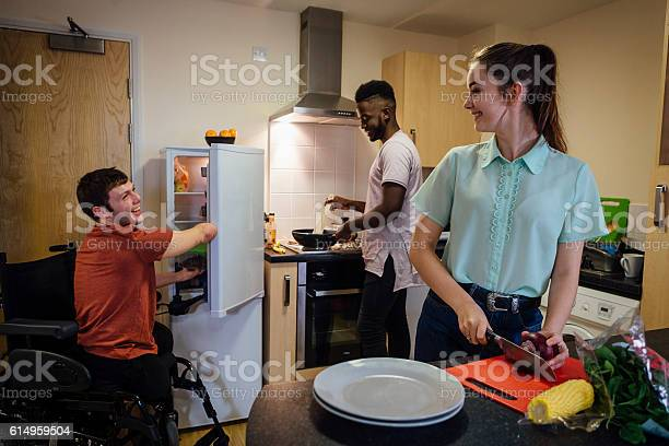 Students cooking picture id614959504?b=1&k=6&m=614959504&s=612x612&h=sy5eovzmuncqu0st5fsirp2gjwrfvcuut4gfxcgfyjw=