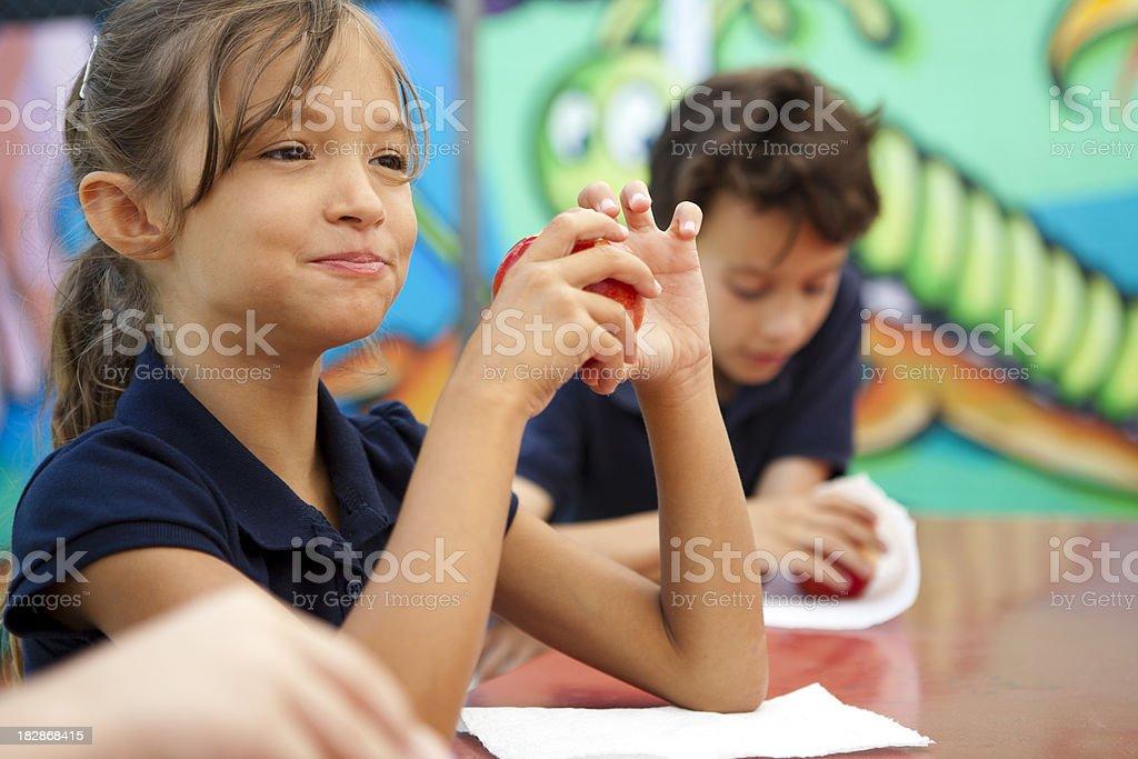 Studenten während der Mittagspause. – Foto