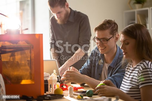 886646936 istock photo Students Enjoying 3D Printing 886646994
