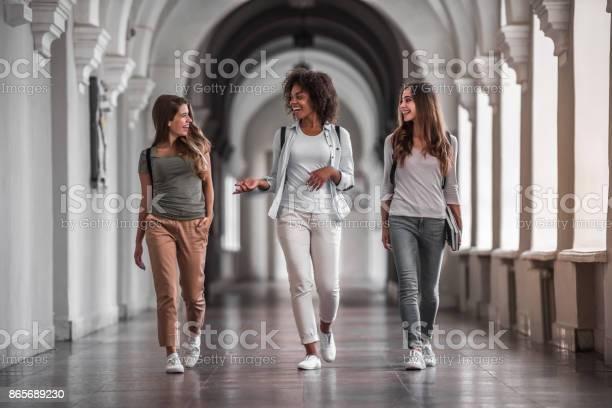 Students in the hall picture id865689230?b=1&k=6&m=865689230&s=612x612&h=zz8jocfdjvczzlbyx4jlypnszczo4c nlv wl0or5pk=