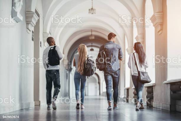 Students in university picture id942952674?b=1&k=6&m=942952674&s=612x612&h=lxx4w45pojq1dqrkfiahgwitpqqslqw6gv2tgxe3ouy=