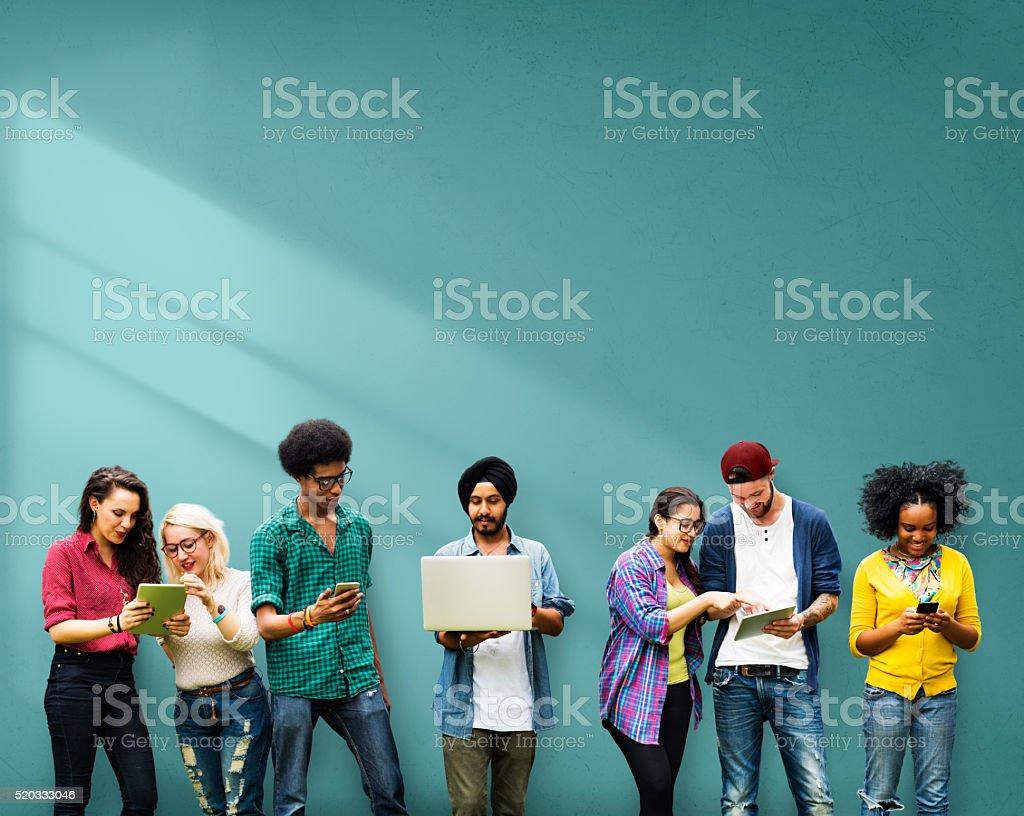 Alunos de aprendizagem educação tecnologia de mídia Social - foto de acervo
