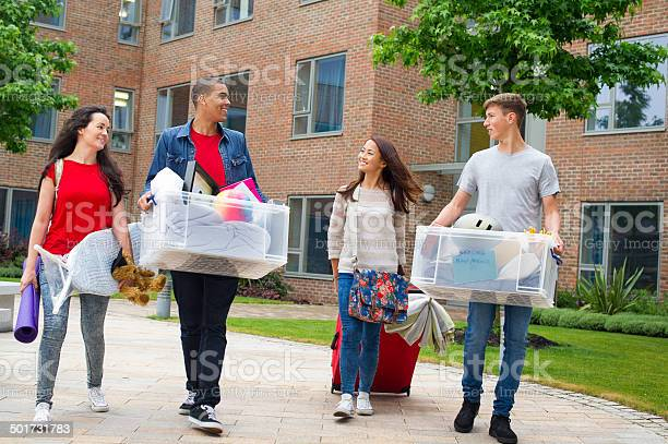 Students moving in day picture id501731783?b=1&k=6&m=501731783&s=612x612&h=cyd5u5dbzmsrfx1xme2 zcrh8a7zgx9iwotkwtv4qq0=